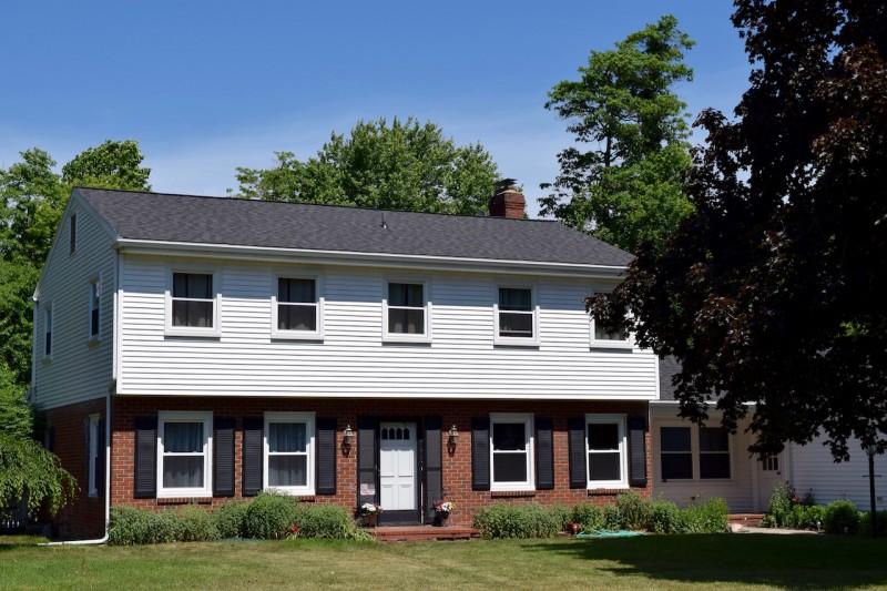Stevensville Michigan Roof Siding Seamless Gutters
