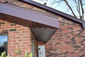 Dennison Exterior Solutions & Gutter Topper Sable Brown Cedar Impressions Siding, Royal Brown Soffit & Fascia