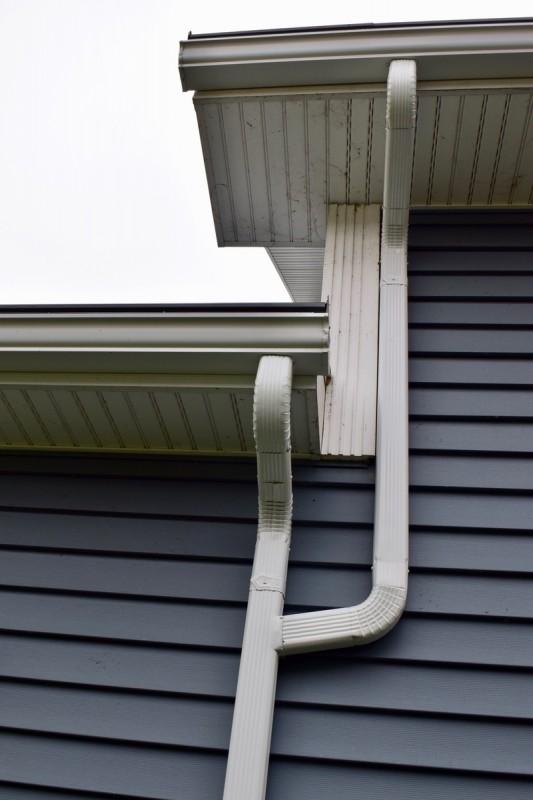 South Bend Indiana Roof Seamless Gutter Amp Gutter Topper